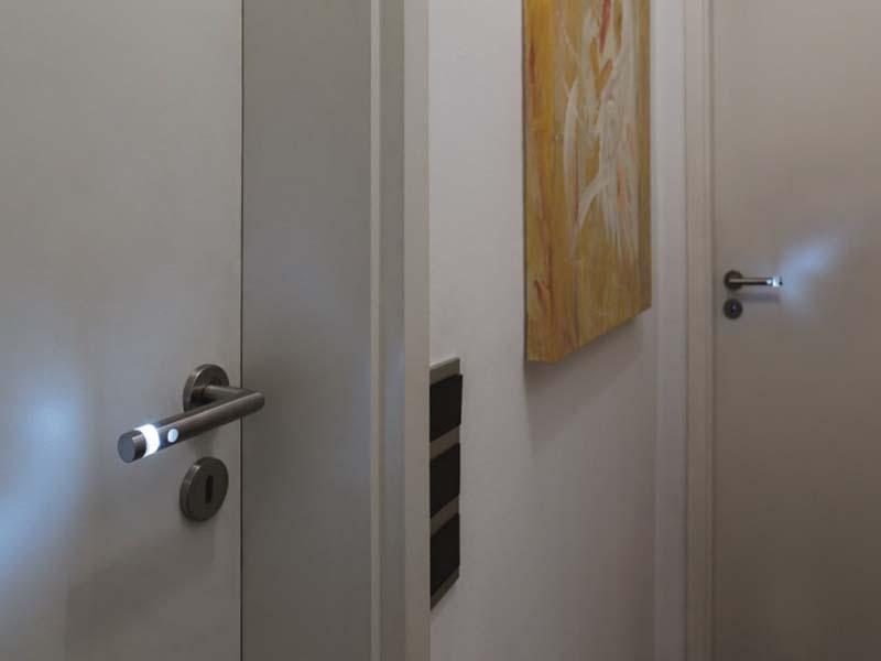 Sobna vrata sa led svetlima